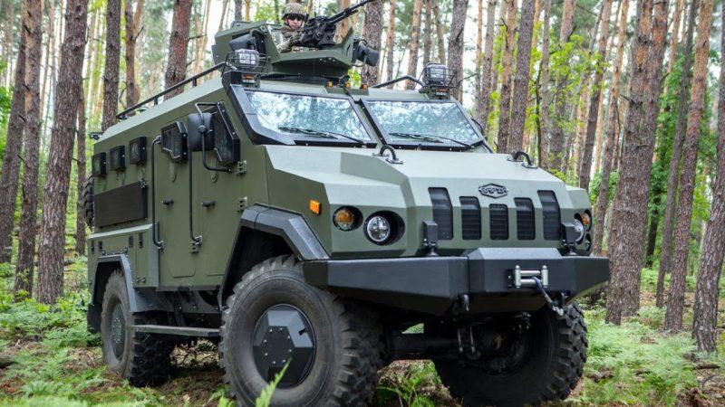 Минобороны презентовало новый военный автомобиль «Новатор»