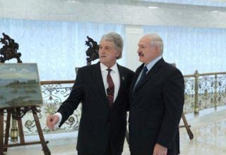 Лукашенко снова заявил о контрабанде оружия