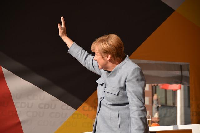 Германия запросила помощь у американских спецслужб после утечки данных политиков