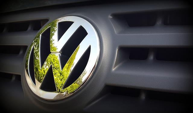 Volkswagen анонсировал выпуск автономных зарядных устройств для электромобилей