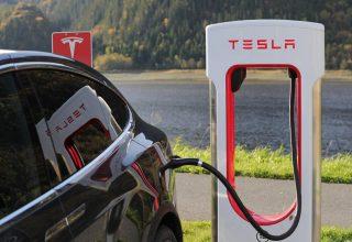 Tesla решила сама производить аккумуляторы для электромобилей
