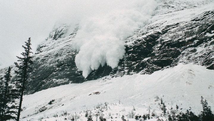 Спасатели предупредили об опасности схода лавин