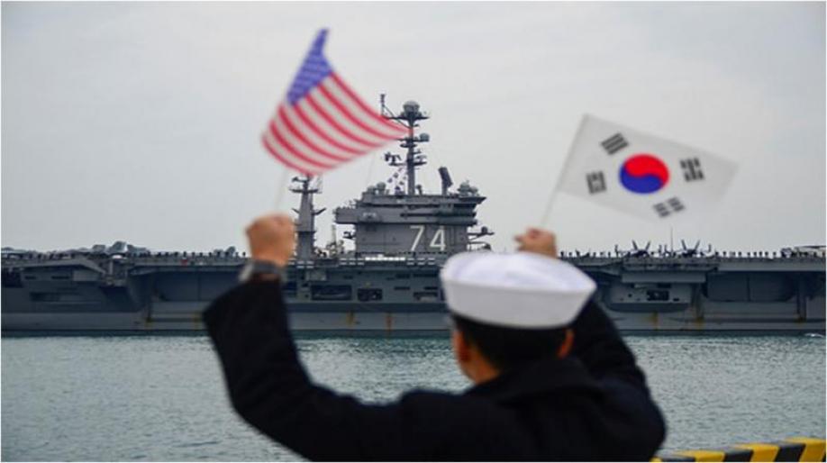 В Южно-Китайском море совместно с Японией в учениях участвует авианосец США