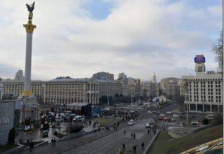 В центре Киева уже собираются сотни людей. Протесты на Майдане
