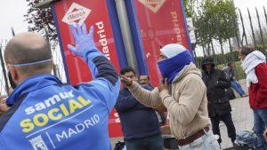 Больше 650 смертей в течении дня из-за коронавируса, Испания погибает.