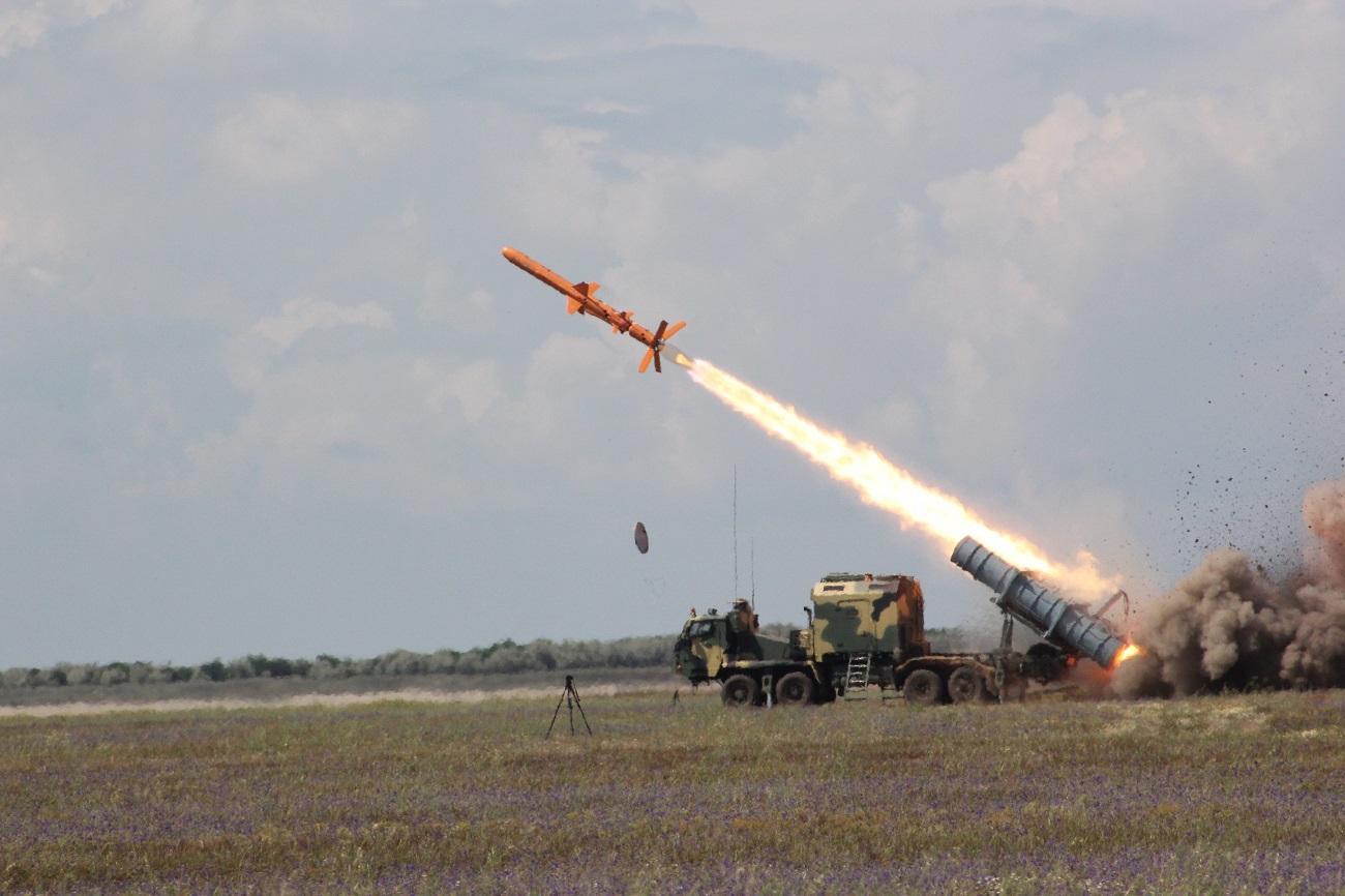 В Одесской области успешно испытали отечественный ракетный комплекс «Нептун»