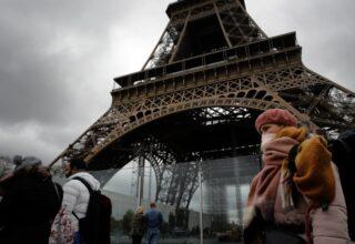 Во Франции нарушителей карантина будут сажать в тюрьму
