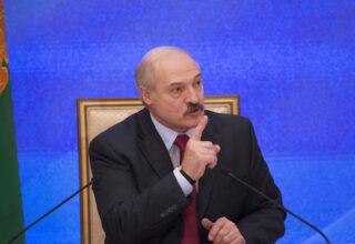 Лукашенко заявил, что готов признать Крым российским