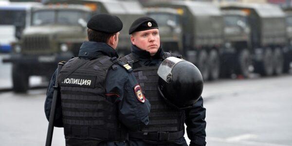 В Санкт-Петербурге мужчина захватил в заложники детей
