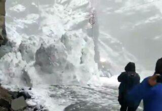 В Иране при схождении лавины погибли восемь человек, 12 пропали без вести