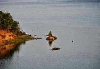 На озере в Африке при опрокидывании лодки погибли 30 человек