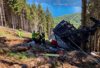 В результате крушения канатной дороги в Италии, погибло 13 человек