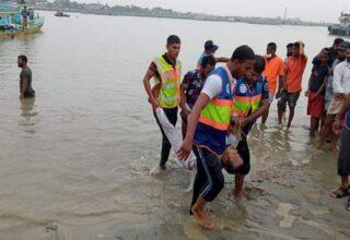 На одной из водных артерий Бангладеша произошла трагедия, в результате которой погибло 28 человек