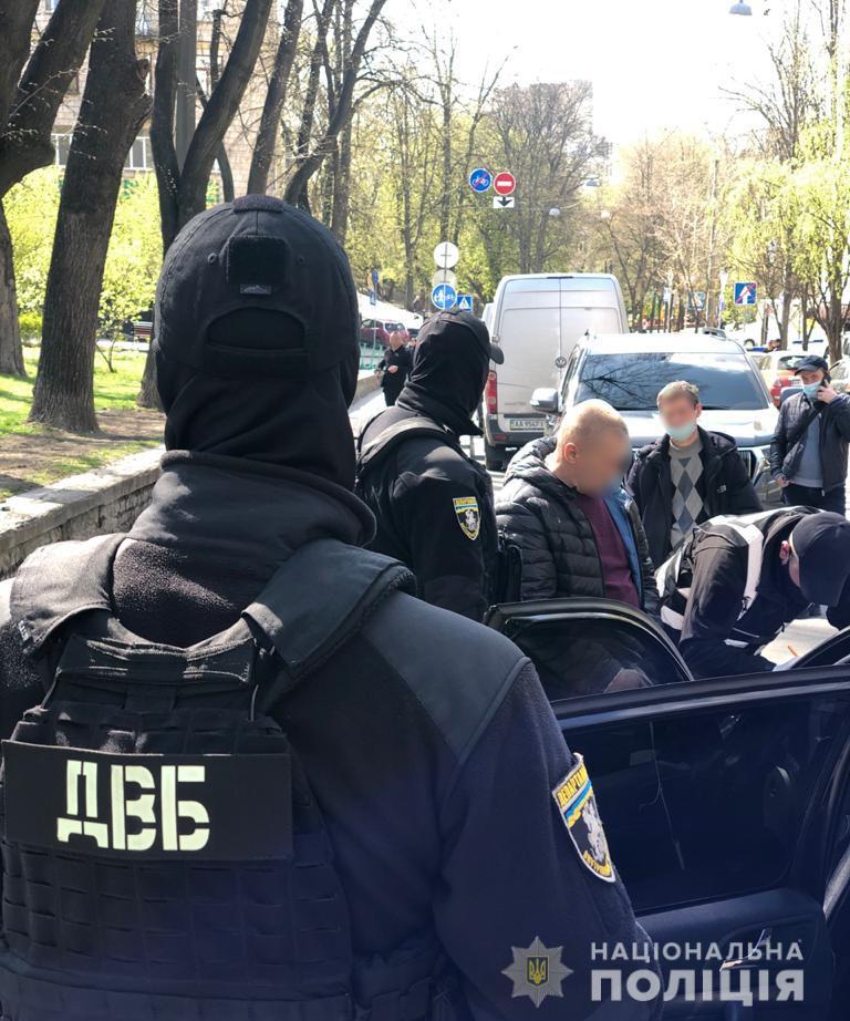 В Киеве правоохранители задержали мошенников, которые «торговали» должностями чиновников