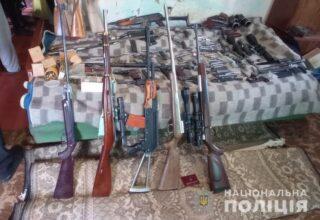 Полицейские в Виннице обнаружили и изъяли у местного жителя целый арсенал оружия