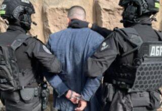 В Киеве задержали адвоката, которого подозревают в завладения более 400 тысяч гривен жертвы рейдерского захвата