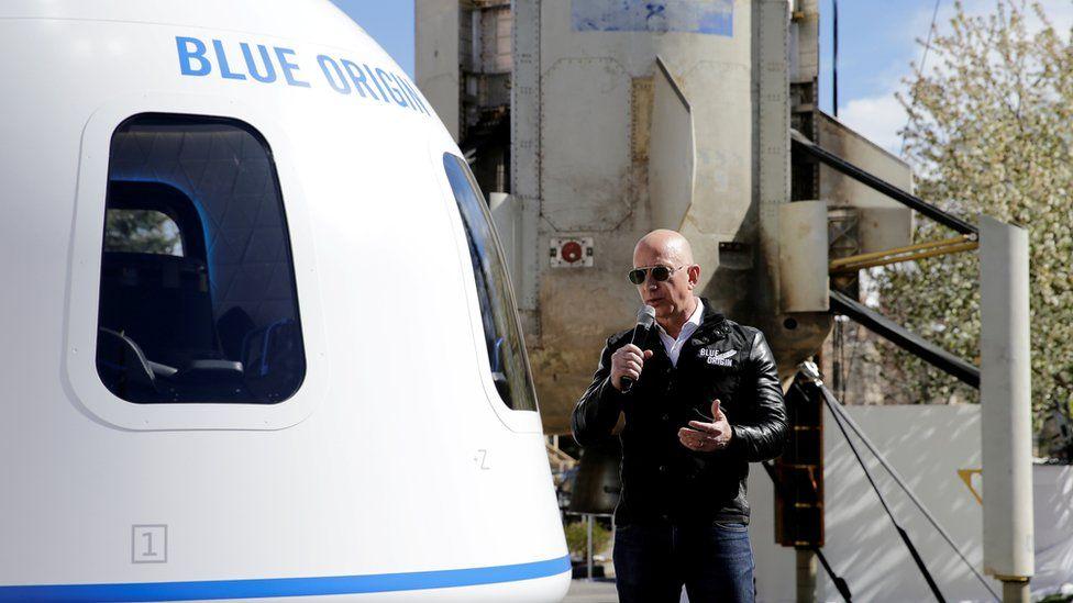 28 миллионов долларов США за космическое путешествие с генеральным директором Amazon Джеффом Безосом