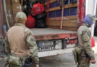 СБУ разоблачила схему злоумышленников, по которой они ввозили в Украину дорогую брендовую одежду под видом гуманитарной помощи