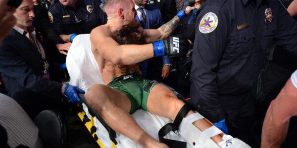 Конор Макгрегор сломал ногу в бою с Дастином Порье
