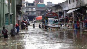 В результате проливных дождей на территории Пакистана число жертв возросло до 18 человек