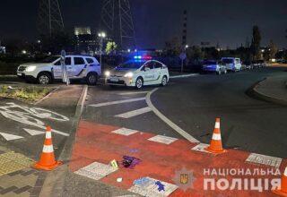 В Киеве пьяный водитель грузовика сбил двух пешеходов